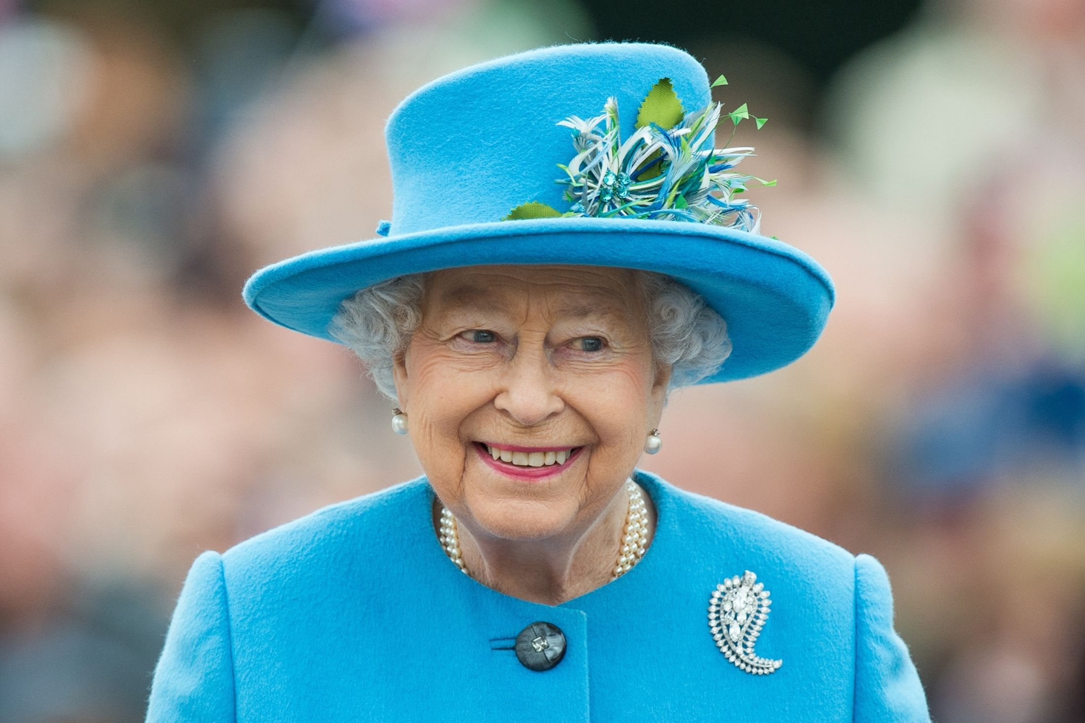 Queen Elizabeth posts on Instagram first time ever royal family social media | That's Life! Magazine