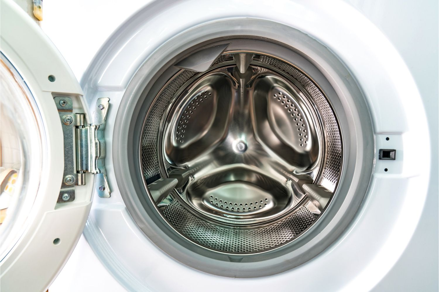 Boy, 3, trapped in washing machine, dies | That's Life! Magazine