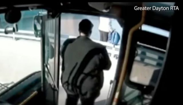 Bus driver pulls over to offer woman a hug and saves her life