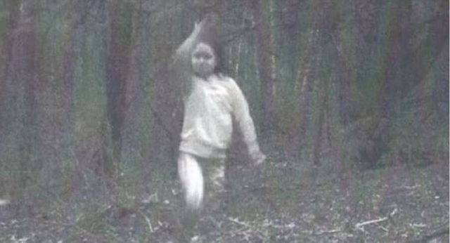 Eerie photo of 'ghost girl' has entire town spooked