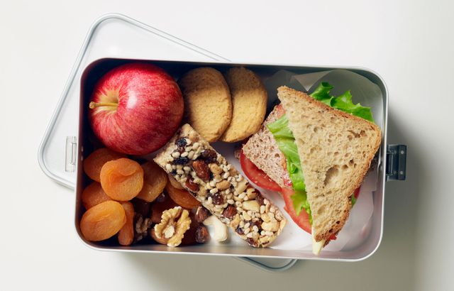 Mum baffled by shaming lunchbox note slamming her daughter's snack